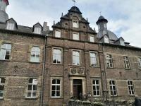 Frontseite des Herrenhauses