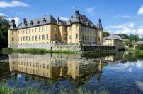 Hauptgebäude von Schloss Dyck (Foto Herbert Horche | http://commons.wikimedia.org | Lizenz: CC BY-SA 3.0 DE)
