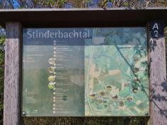 Wir erreichen das Stinderbachtal aus Richtung Mettmann kommend