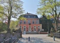 Das Landstallmeisterhaus, das 1875 an Stelle des früheren Hochschloss errichtet wurde