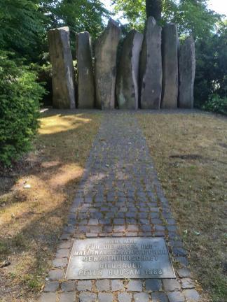 Denkmal für die ermordeten Juden der Stadt auf dem Friedhof Büderich