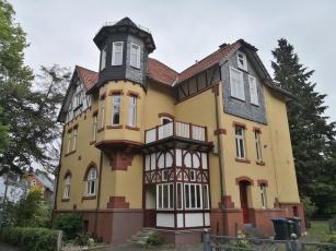 Prächtige Gründerzeitvilla am Ortsrand in der Nähe unsere Stellplatzes