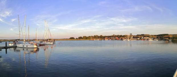 Panoramabild vom Hafen Gager