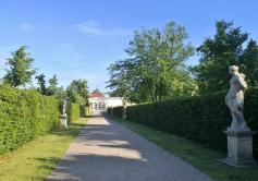 Skulpturenweg zur Orangerie