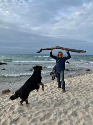 Hilfe, mein Hund bekommt nicht genug vom Stöckchen-spielen :-)