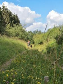 Gabi und Doxi laufen voraus