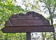 Hinweis zum Mahnmal am Wenzelnberg