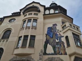 Fassadenmalerei in der Einkaufsstraße