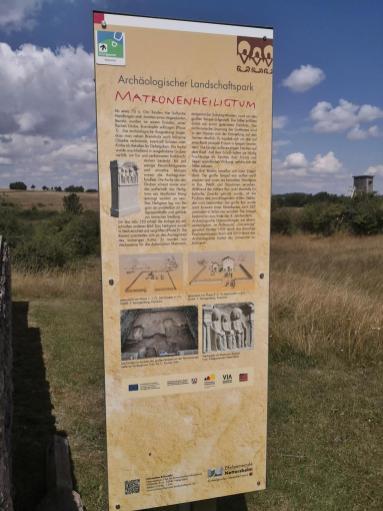 Infotafel am Gallo-römischen Tempelbezirk auf der Görresburg