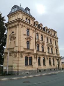 Markantes Eckhaus an der Hofwiesenstraße