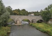Die mittelalterliche Steinerne Elsterbrücke am Alten Schloss