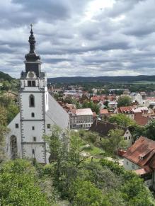 Blick vom Schlossgarten zur ev. Stadtkirche St. Andreas