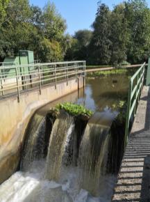 Erft-Wehr an der Kajak-Wildwasser-Strecke