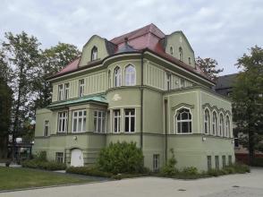 """Prächtige Villa aus den 1930er Jahren am Park """"Rosenwiese"""""""