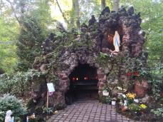 Lourdes-Grotte am Nikolauskloster