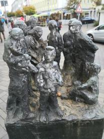 Skulptur am Schlossmacherplatz in Radevormwald