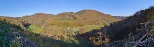 Panoramabild von den Höhen über dem Kalltal