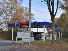 Zufahrt zur NATO-Airbase