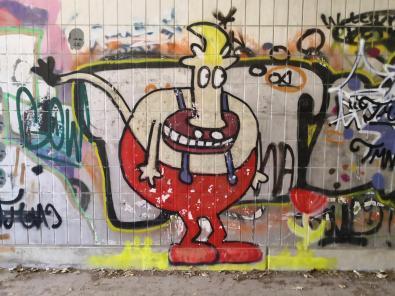 Hübsches Graffiti an der Autobahnunterführung unter der A46