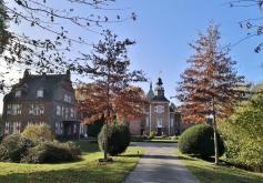 Zufahrt zum Schlosshotel Hertefeld