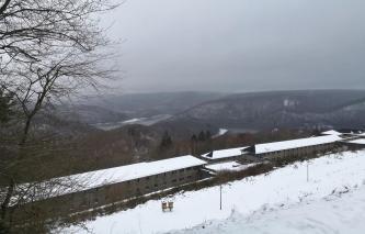 Anschließend noch ein kurzer Besuch auf der Burg Vogelsang oberhalb des Urftsees