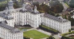 Luftbild von Schloss Bensberg
