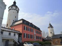 Haupthaus der Burg mit Bergfried