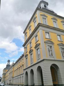 Verwaltung der Rheinischen Friedrich-Wilhelm-Universätit Bonn im ehemaligen Schloss