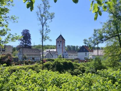 Das historische Zentrum von Odenthal mit der Kirche St. Pankratius