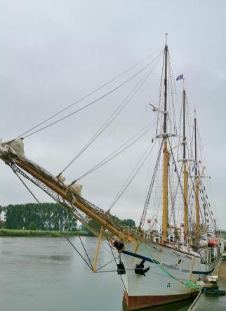 """Schuilfschiff """"Großherzogin Elisabeth"""" im Hafen von Elsfleth"""