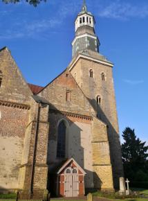 Der Turm der St.-Sylvester-Kirche wurde 1489 bis 1499 errichtet