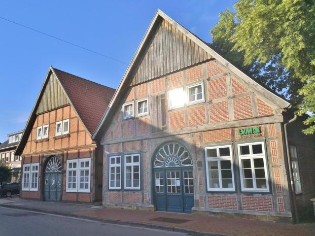 """Häuser an der Straße """"Sankt Antoniort"""""""