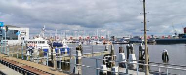 Yachthafen im Seehafen von Delfzijl