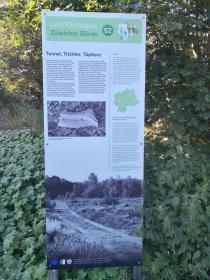 Infotafel am Eingang zur Drover Heide am Sportplatz von Soller