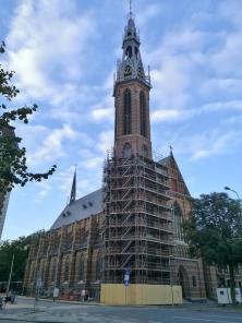 Gerade eingerüstet: Die Neugotische katholische Sint-Jozefkathedraal