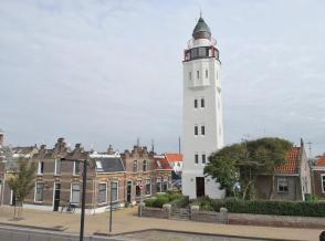 Der Leuchtturm Vurrtoren van Harlingen am Rande des historischen Zentrums