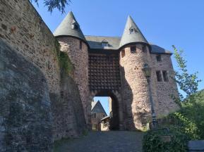 Aufstieg zur Burg Heimbach