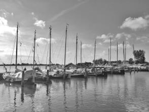 Schiffe im Museumshafen von Lauwersoorg