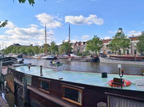 Hausboote auf dem Nieuwe Kanaal