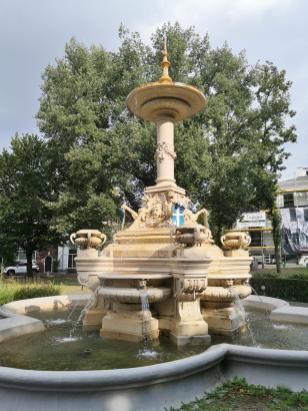 Van Nahuys-Brunnen auf dem Van Nahuysplein vor dem Stadttor