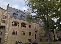 Schloss Alzey: Philippsbau vom Burghof aus gesehen