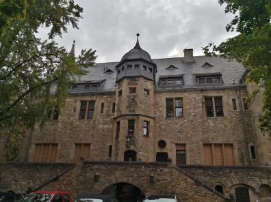 Schloss Alzey: Friedrichsbau vom Burghof aus gesehen