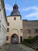 Oberer Torturm, Landseite mit Resten der Stadtmauer
