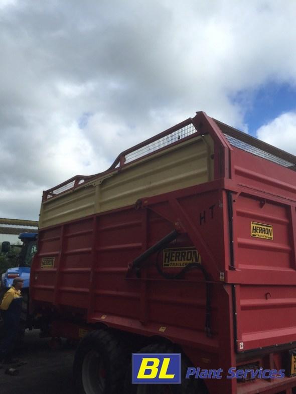 farm trailer3