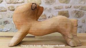 sculpture-bois-cheval-noyer-anne-emmanuelle-maire-bluebaobab
