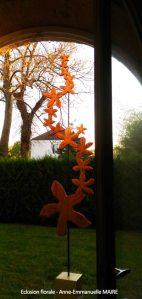 sculpture-bois-grande-eclosion-florale-anne-emmanuelle-maire-bluebaobab