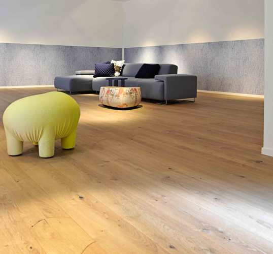 Rounded Oak Wooden Flooring Design