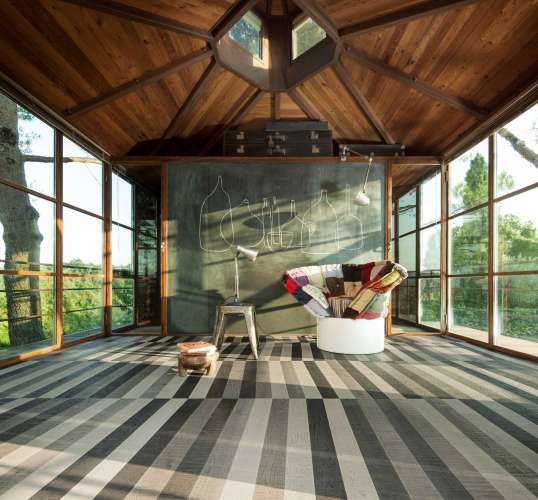 Contemporary Monotone Wooden Flooring