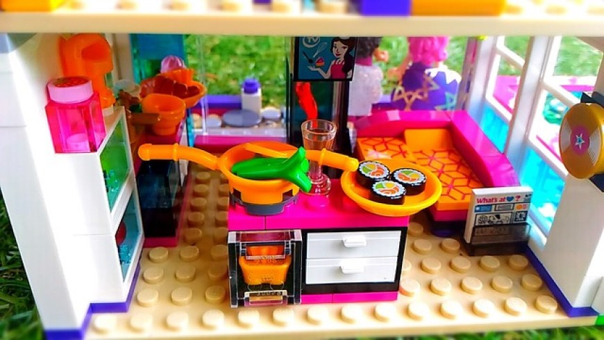 Livis Lego Pop Star House Review Blueberry Snail