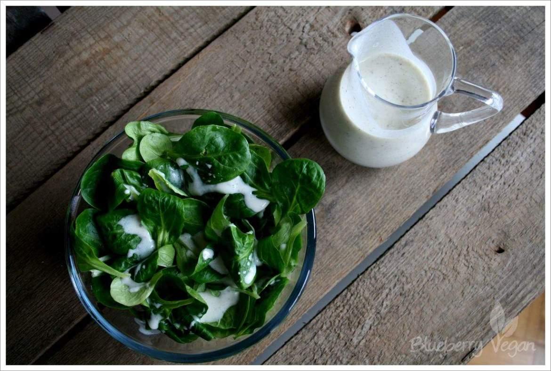 Feldsalat mit veganem Buttermilchdressing